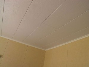 подшивка потолка пластиком