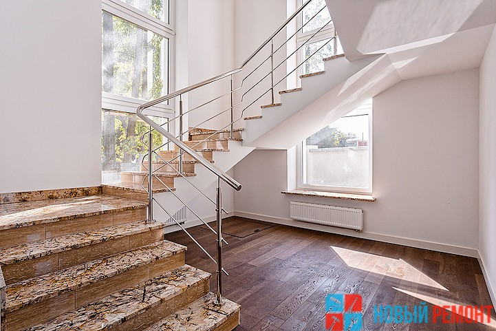 ремонт каменной лестницы в коттедже
