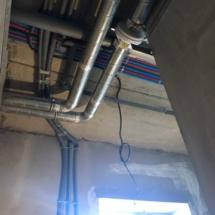 монтаж вентиляции и инженерных сетей в доме