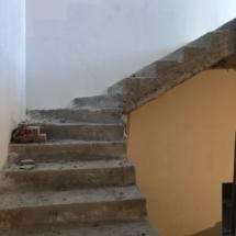 бетонная лестница цокольного этажа