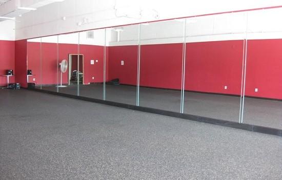 линолеум на полу фитнеса