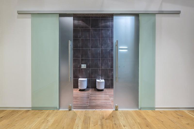 раздвижная дверь в санузел