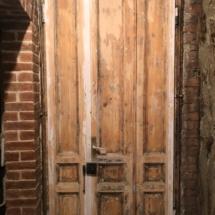 дверь под реставрацию