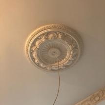 гипсовая розетка потолка